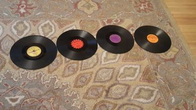 Lot Of 4 78rpm Vinyl Records Sun Carl Perkins Okeh Roulette Coral Buddy Holly